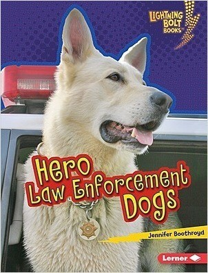 Cover: Lightning Bolt Books ™ — Hero Dogs — Audisee®—On Level Set
