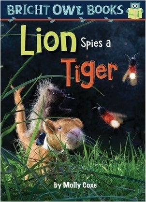 Cover: Lion Spies a Tiger: Long vowel i